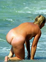 Nude women at the beach caught on cam